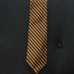 Red and gold tie